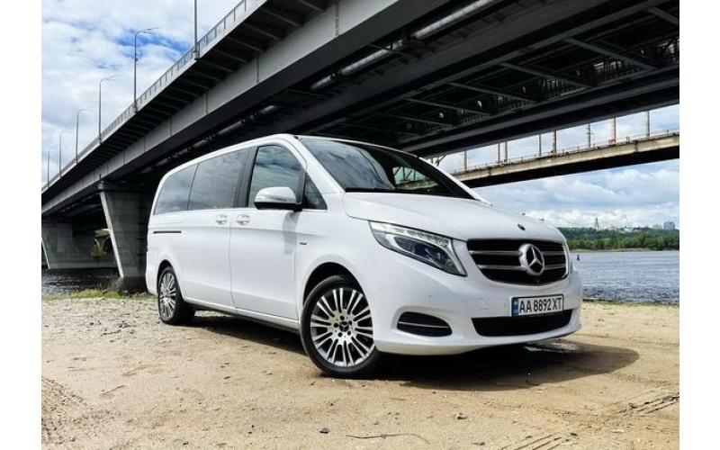 Mercedes V class белый без водителя с водителем ERY1